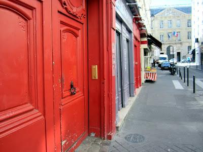 Rouge !!! Rue de la Coquillière