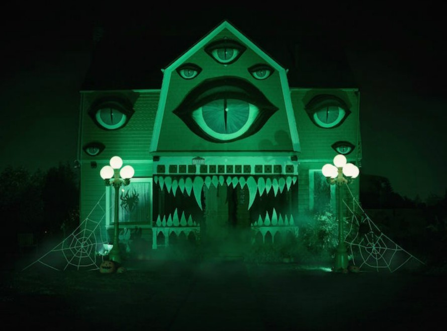 christine-mcconnell-monster-home2-889x658