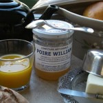 """Un  petit déjeuner avec du """"vrai"""" thé et de la confiture """"home made""""..."""