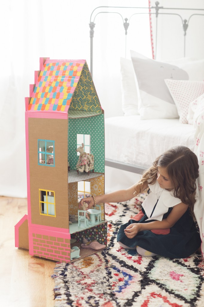 Playful Maison en carton