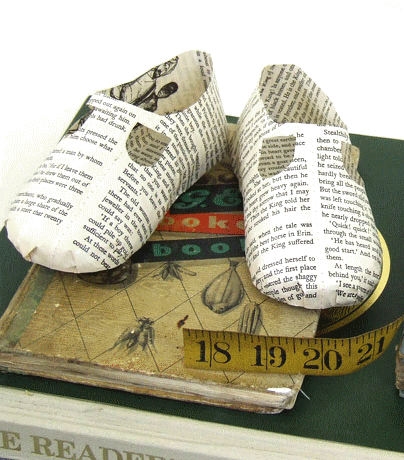 baby-book-shoe transparent