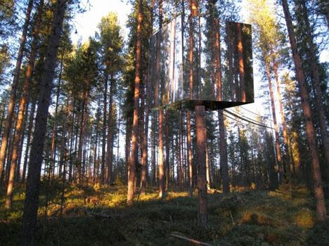 camouflage-tree-hotel DORNOB