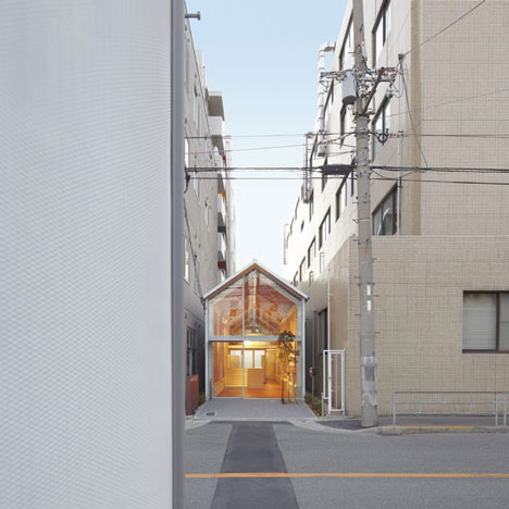 dezeen_Ogimachi-Global-Dispensing-Pharmacy-by-TKY-Japan-2