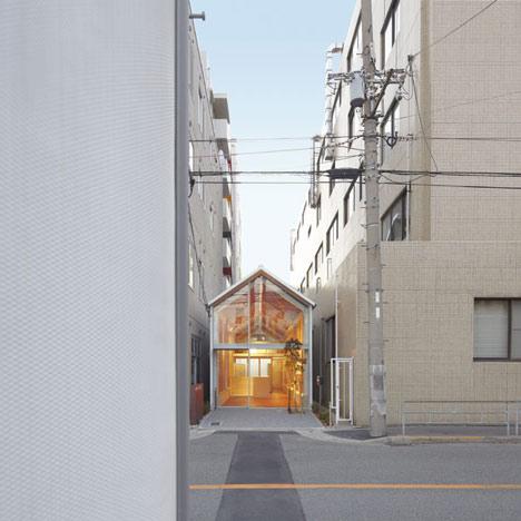 dezeen_Ogimachi-Global-Dispensing-Pharmacy-by-TKY-Japan-2