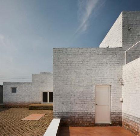 multifamily-brick-interior-exterior  rogné